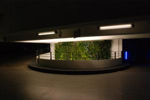 parking perrache lyon vertical garden patrick blanc. Black Bedroom Furniture Sets. Home Design Ideas