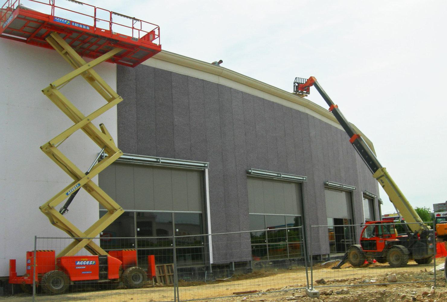 Alpha Park, Les ClayessousBois, installation avec nacelles au 31 mai