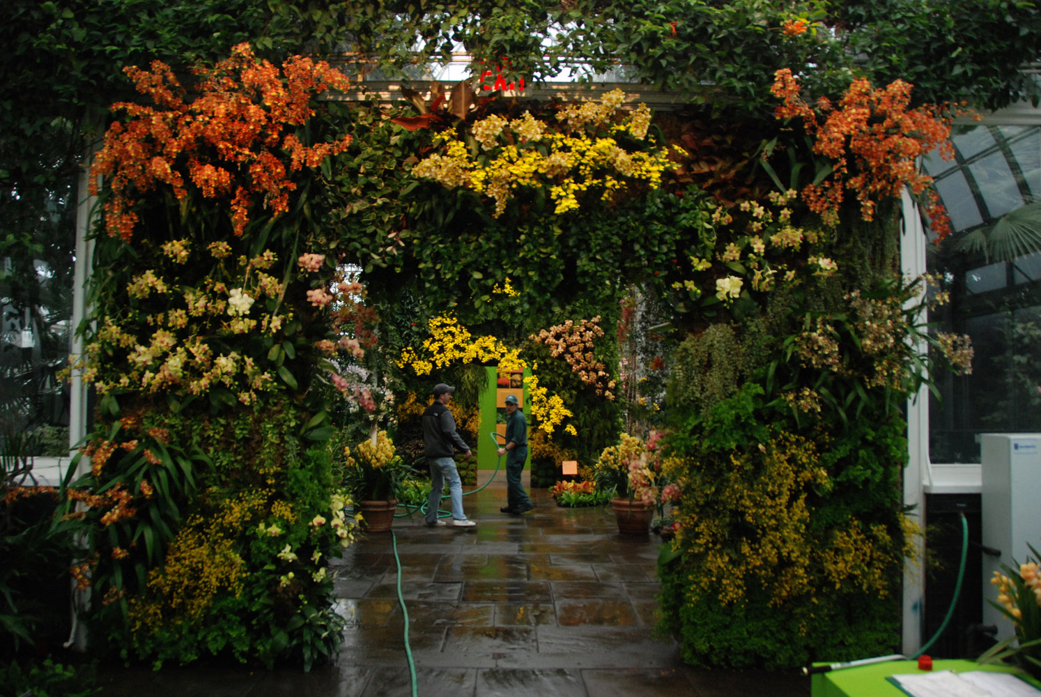 New York Botanical Garden, Orchid Show By Patrick Blanc, Gate And Gardeners