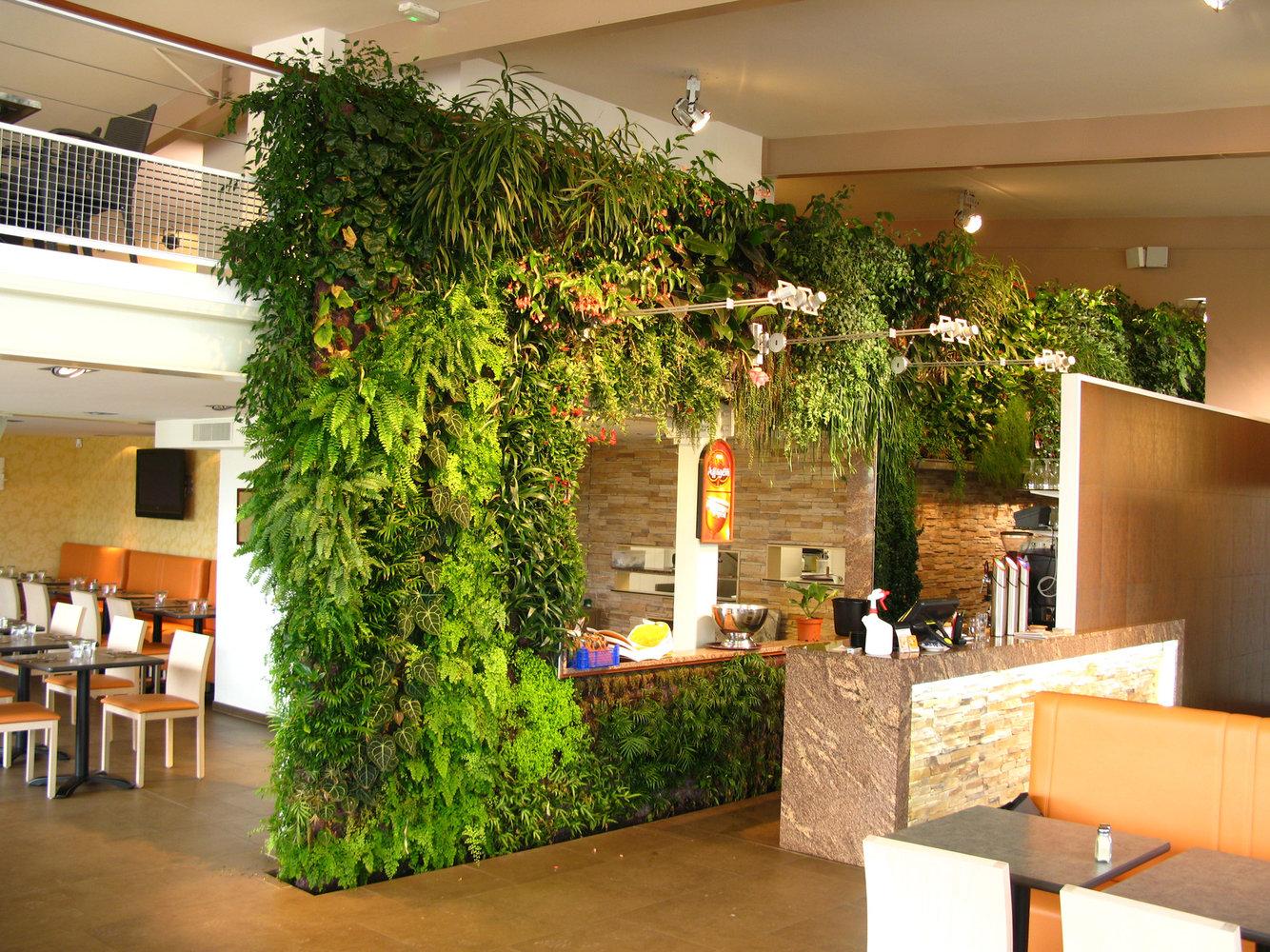 restaurant al patatrie amiens vertical garden patrick blanc. Black Bedroom Furniture Sets. Home Design Ideas