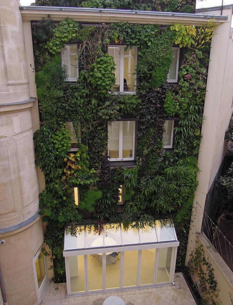 Boutique Azzedine Ala A Paris 5 Rue De Marignan