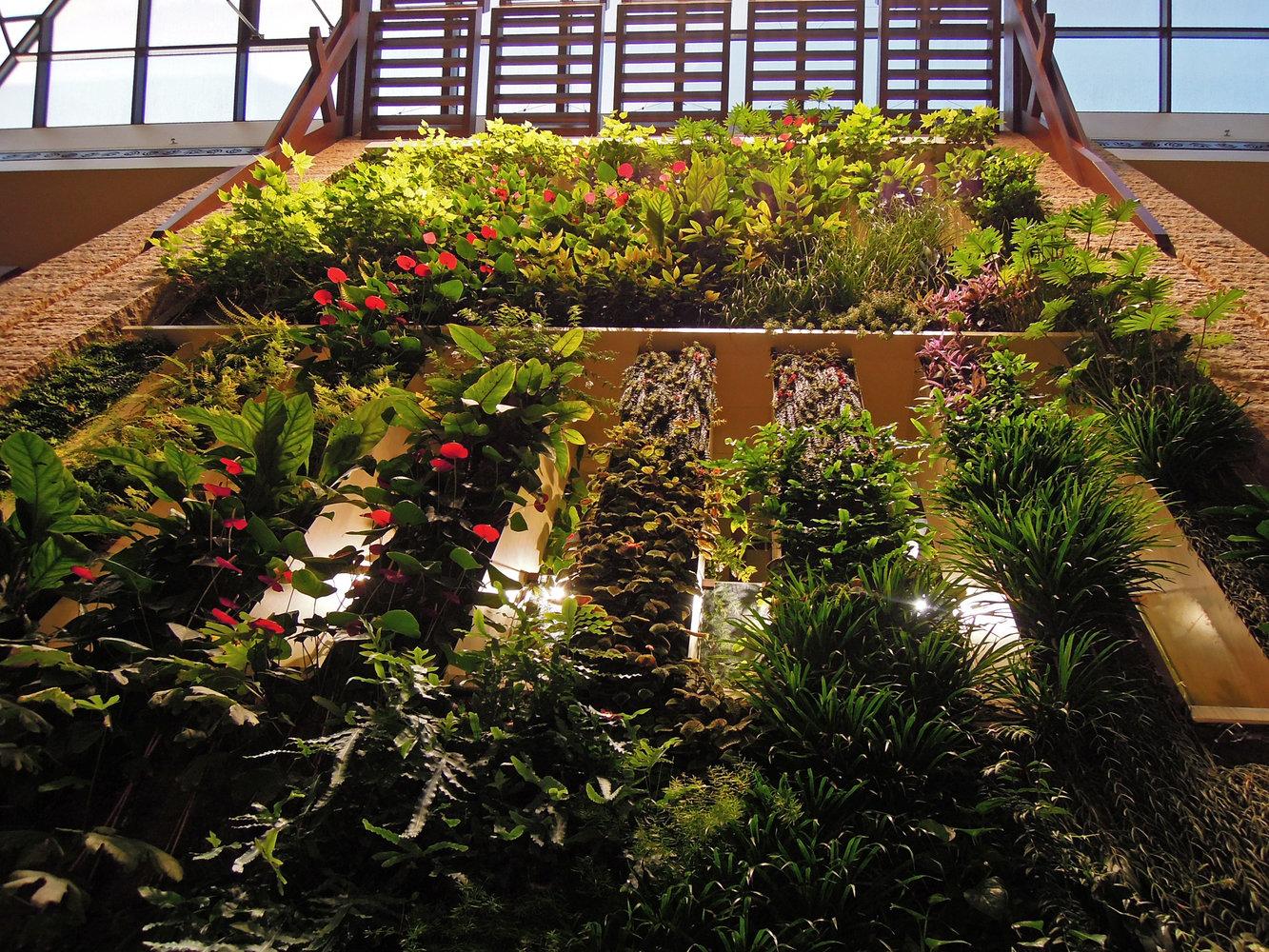 Sofitel Palm Jumeirah , Dubai | Vertical Garden Patrick Blanc