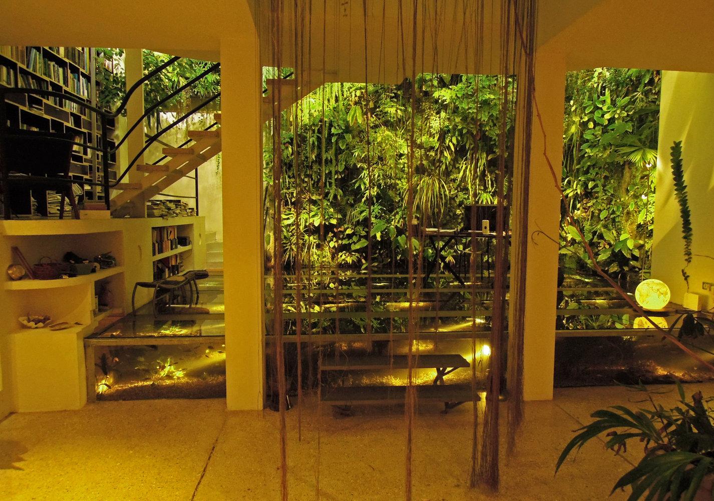 maison de patrick blanc mur vegetal patrick blanc. Black Bedroom Furniture Sets. Home Design Ideas