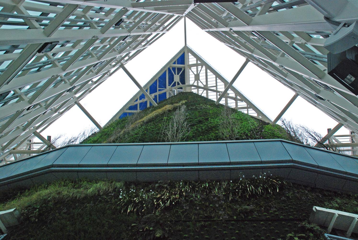 torre de cristal top vertical garden